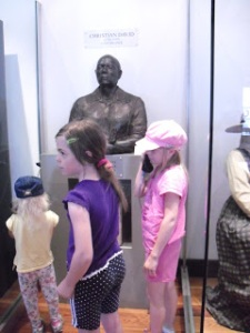 Young visitors enjoy listening to the tale of Christian David's life. [copyright Katrena]